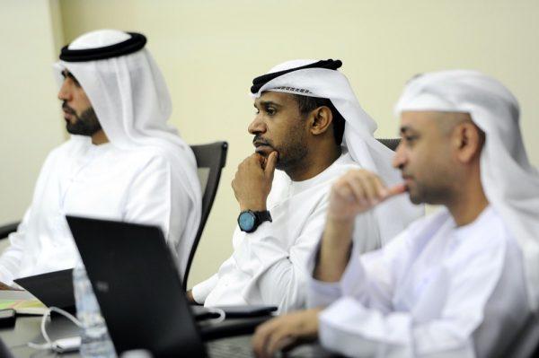 تخريج 51 مواطناً ومواطنة من برنامج الدكتوراه في إدارة الأعمال من جامعة أبوظبي