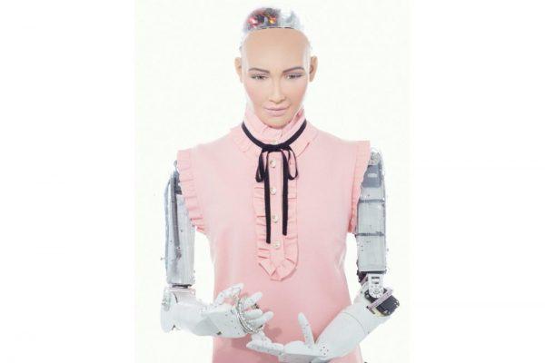 "Dubai set to witness professional interaction with humanoid robot ""Sophia"""