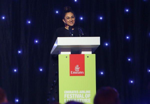 ختام مهرجان طيران الإمارات بنجاح منقطع النظير وإشادة كبيرة من الجماهيرفي حفل ختامي خيري لدعم برامج دبي العطاء لإغاثة اللاجئين الأطفال