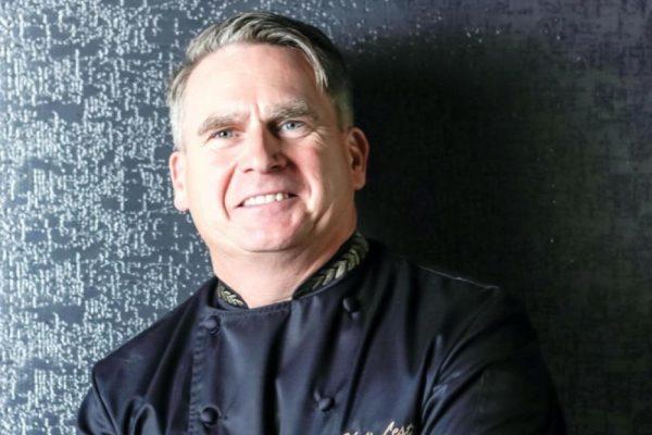 الشيف التنفيذي في سيزرز بلوواترز دبي يقدّم مجموعة من النصائح لتحضير وجبات سهلة في البيت