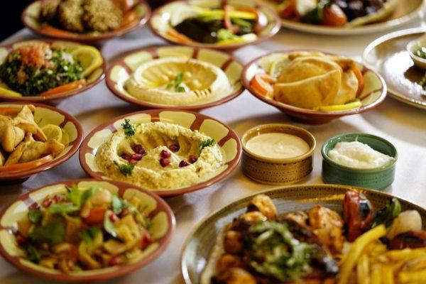 فندق دوسِت تاني دبي يوفر خدمة توصيل الإفطارات الرمضانية التقليدية إلى المنازل