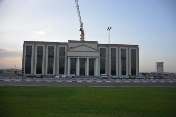 جامعة أبوظبي تقدم منحاً دراسية للطلبة المتفوقين في مدينة العين