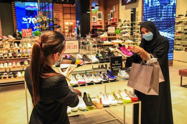 مفاجآت صيف دبي يمنح المتسوقين المزيد من العروض الترويجية