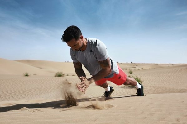 adidas تكشف النقاب عن مجموعة Heat.RDY الجديدة في صحراء القدرة