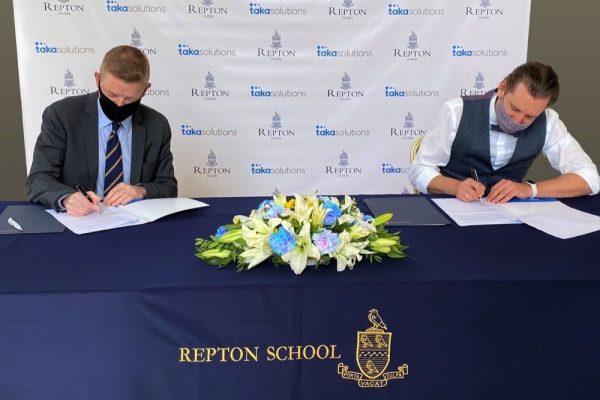 اتفاقية شراكة بين ريبتون دبي و طاقة سوليوشنز