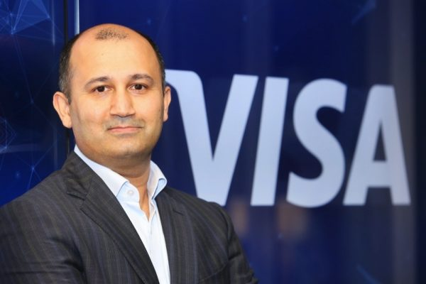 """بنك الإمارات دبي الوطني يطلق """"بطاقة فيزا فليكسي الائتمانية"""""""