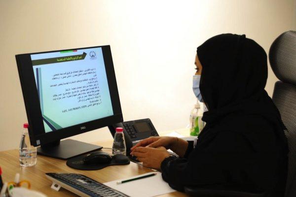 بلدية دبا الحصن تستقبل بتقنية التواصل المرئي وفداً من بلدية منطقة المدام