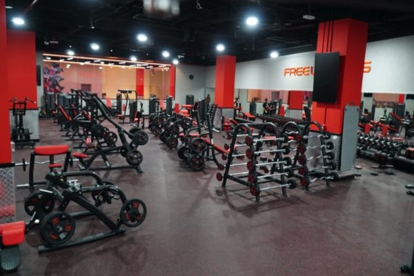 ميتروفيت نادي رياضي يساعدكم على المحافظة على لياقتكم البدنية