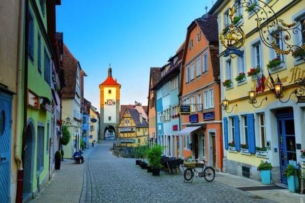 """الحملة الترويجية بعنوان """"مدن ألمانية لقضاء صيف 2021"""""""