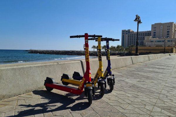 فينيكس تطلق دراجات السكوتر الكهربائية لأول مرة في الفجيرة
