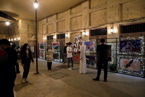 """معرض """"معالم دبي"""" يسلط الضوء على إبداعات المواهب الشابة"""