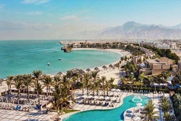 منتجع وسبا هيلتون رأس الخيمة يعلن عن عروض الصيف للمقيمين في دولة الإمارات