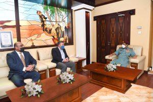 قائد عام شرطة رأس الخيمة يستقبل مدير المكتب الأمني الإقليمي في القنصلية الأمريكية بدولة الإمارات