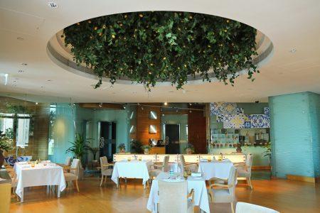 مطعم الصياد في قصر الإمارات يستقبل ضيوفه بأروع التجارب الذوقية 